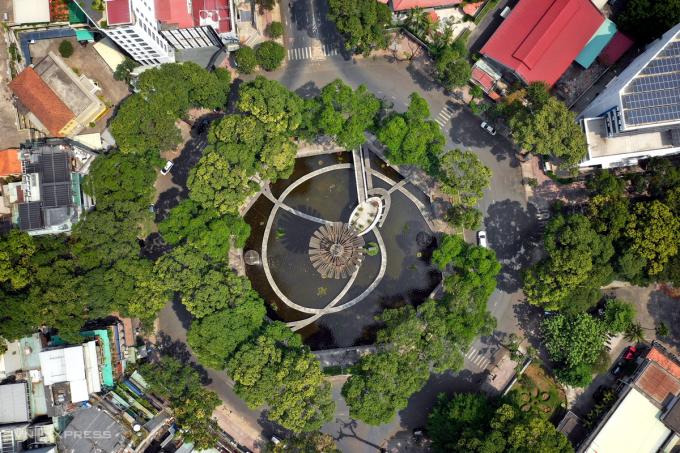 Hồ Con Rùa thuộc phường 6 nay là phường Võ Thị Sáu, quận 3, sẽ được xây dựng thành phố đi bộ. Ảnh: Hữu Khoa.