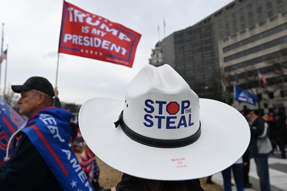 Dòng người ủng hộ Trump ùn ùn kéo về Washington