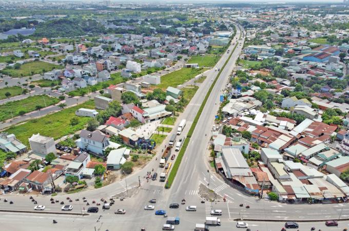 Đường Mỹ Phước - Tân Vạn, đoạn giao quốc lộ 1K (Bình Dương), thuộc Vành đai 3 đã đưa vào khai thác. Ảnh: Gia Minh.