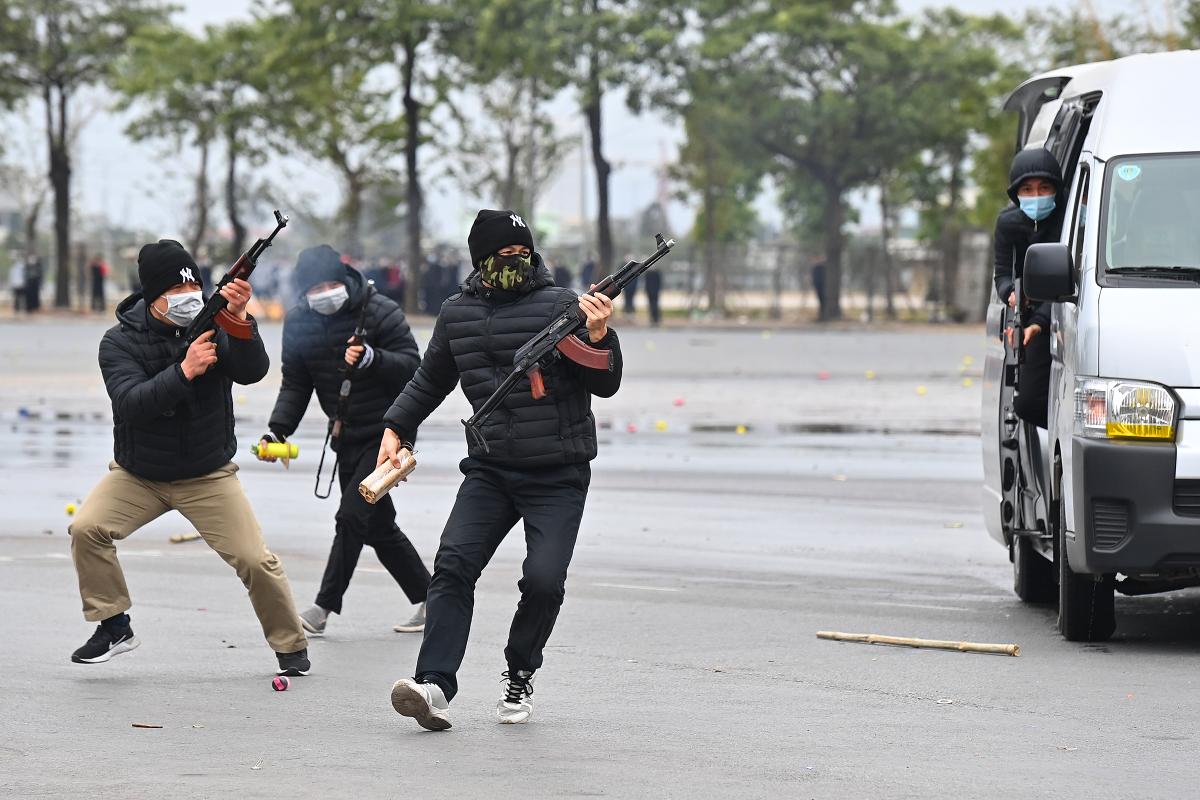 Cảnh vệ diễn tập bảo vệ nguyên thủ
