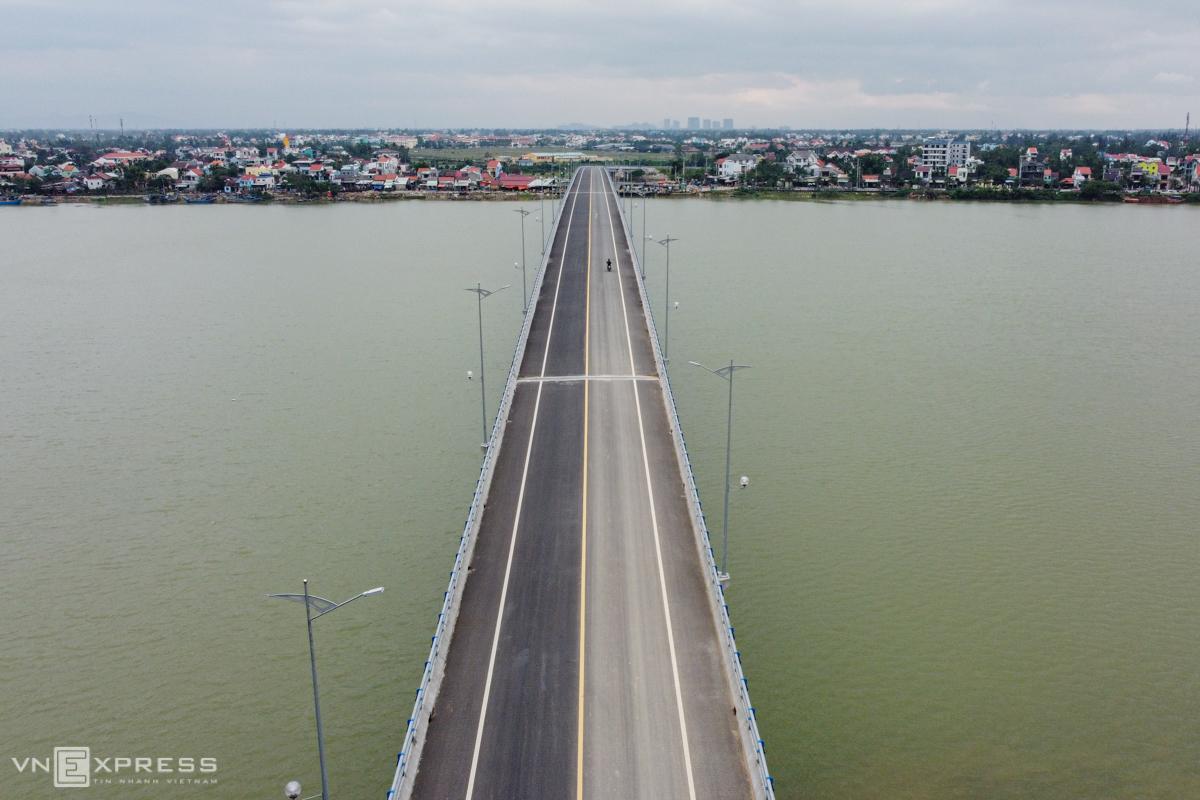 Cầu xây xong không có đường dẫn