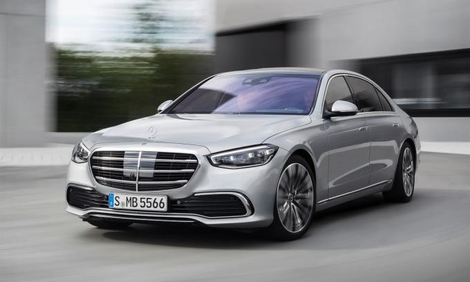 S-class - sedan hạng sang bán chạy nhất thế giới. Ảnh: Mercedes