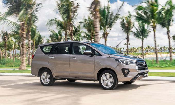 Innova bản nâng cấp ra mắt Việt Nam (tháng 10/2020) với phom dáng thay đổi nhẹ. Ảnh: Toyota