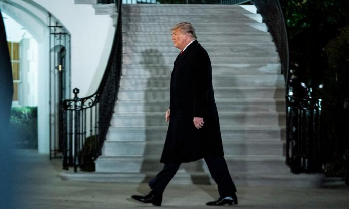 Trump phẫn nộ vì 'đơn thương độc mã' cuối nhiệm kỳ