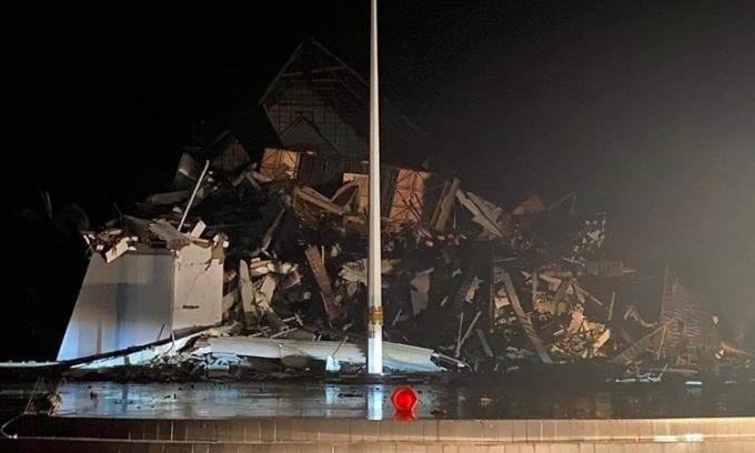 Hiện trường vụ động đất ở thành phố Mamuji, tỉnh Tây Sulawesi, Indonesia, hôm 15/1. Ảnh: Twitter/ pejuang45.