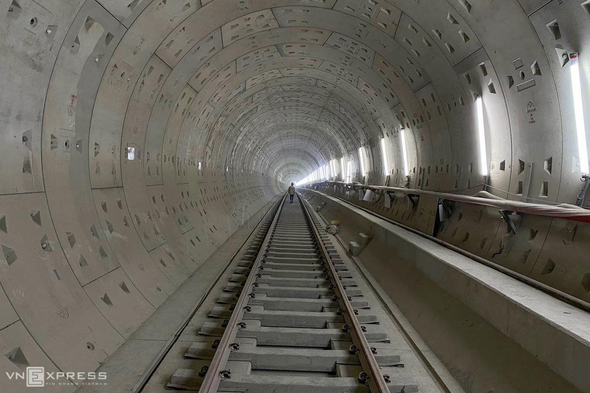 Hơn 200 người thi công ga ngầm Ba Son