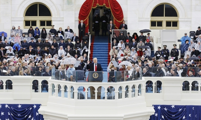Donald Trump phát biểu trong lễ nhậm chức tại Đồi Capitol ngày 20/1/2017. Ảnh: AP.