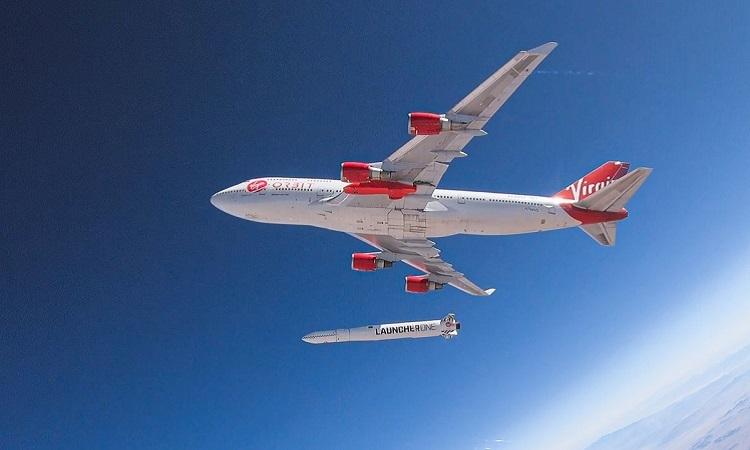 Tên lửa của Virgin Orbit phóng thành công từ máy bay