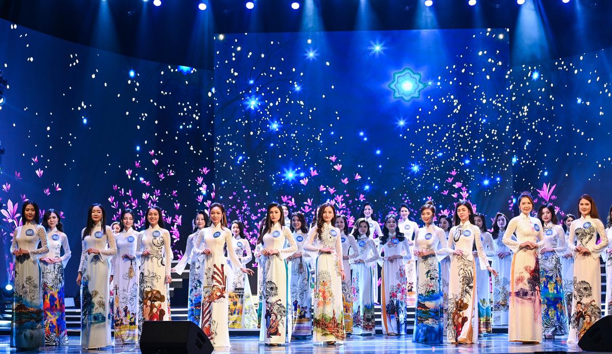 Nữ sinh khoe sắc trong chung kết Hoa khôi Sinh viên Việt Nam