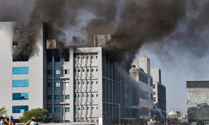 Cháy nhà máy vaccine lớn nhất thế giới, 5 người chết