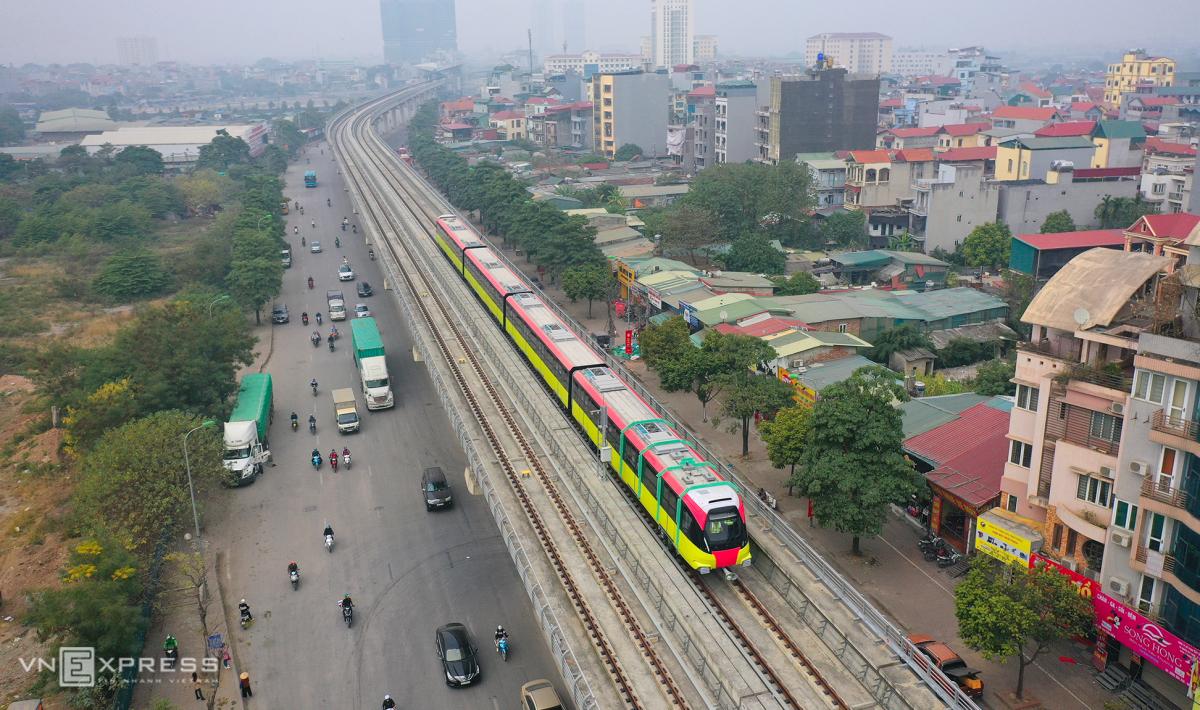 Nội thất đoàn tàu Nhổn - ga Hà Nội