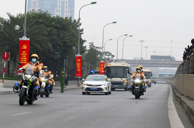 CSGT trong phương án dẫn đoàn Đại biểu từ khách sạn về Trung tâm Hội nghị Quốc gia trong sáng nay. Ảnh: Minh Hải