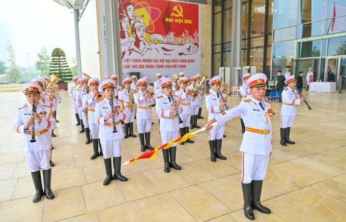 Đoàn nghi lễ quân đội sẵn sàng phục vụ Đại hội trong những ngày tới. Ảnh: TTX