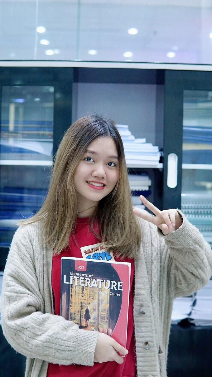 Tống Trần Khánh Linh, lớp 12, trường THPT Amsterdam. Ảnh: Khánh Linh.