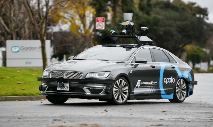 Công nghệ tự lái của Baidu trang bị trên ô tô tự lái Lincoln khi chạy thử tại California