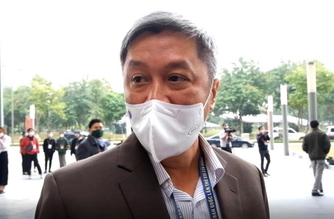 Thứ trưởng Y tế Nguyễn Trường Sơn trước giờ họp Đại hội Đảng lần thứ XIII, sáng 28/1. Ảnh: HT
