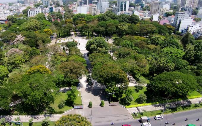 Công viên Lê Văn Tám, quận 1. Ảnh: Quỳnh Trần.