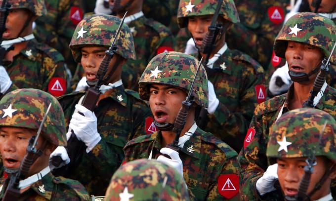 Quân đội Mymanmar chiếm tòa thị chính Yangon