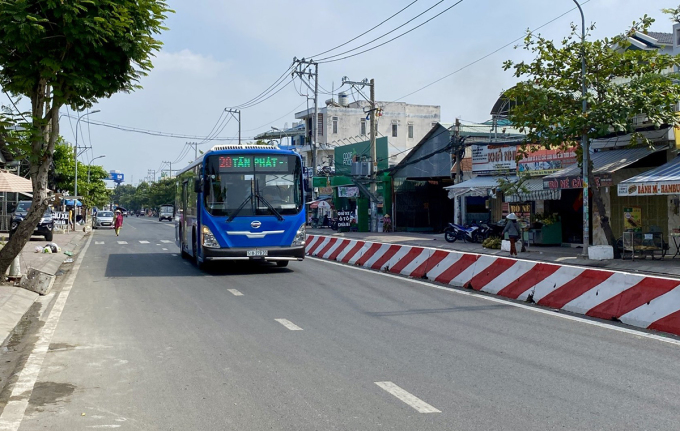 Đường Huỳnh Tấn Phát hoàn thành trải nhựa vào cuối tháng 1/2021. Ảnh: Thái Nguyên.