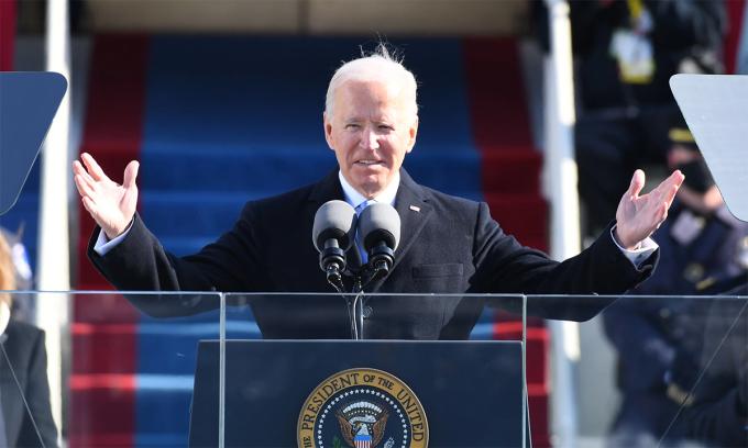 Tổng thống Mỹ Doe Biden đọc diễn văn nhậm chức, ngày 20/1. Ảnh: Reuters.