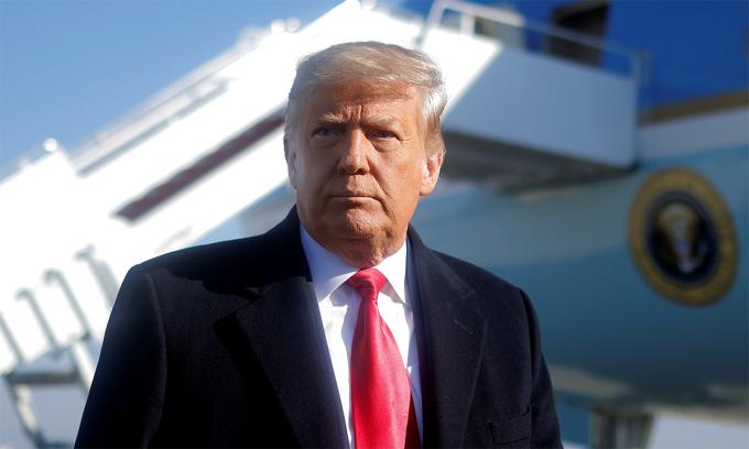 Cựu tổng thống Mỹ Donald Trump trong cuộc họp báo tại căn cứ không quân Andrews, bang Maryland, ngày 12/1. Ảnh: Reuters.