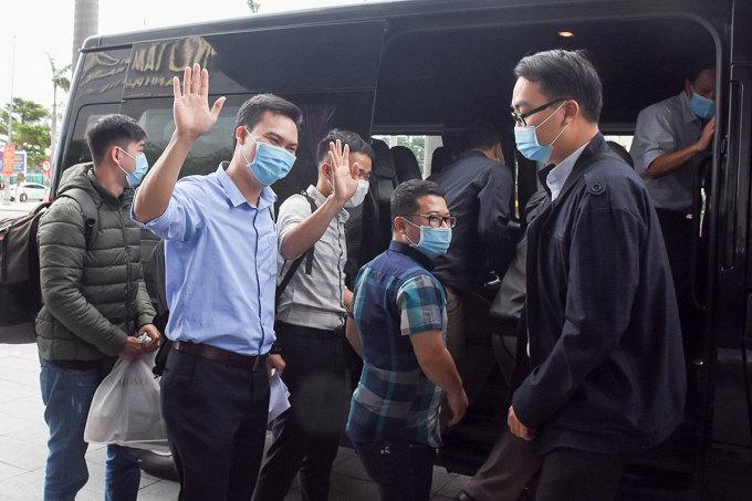 Đoàn y bác sĩ Đà Nẵng lên đường đến Gia Lai chống dịch Covid-19. Ảnh: Đông Đào.