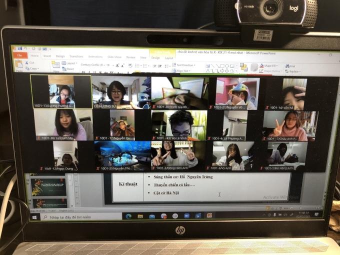 Buổi học Zoom của cô trò trường THPT Phan Đình Phùng trong tuần 1-6/2. Ảnh: Nhà trường cung cấp