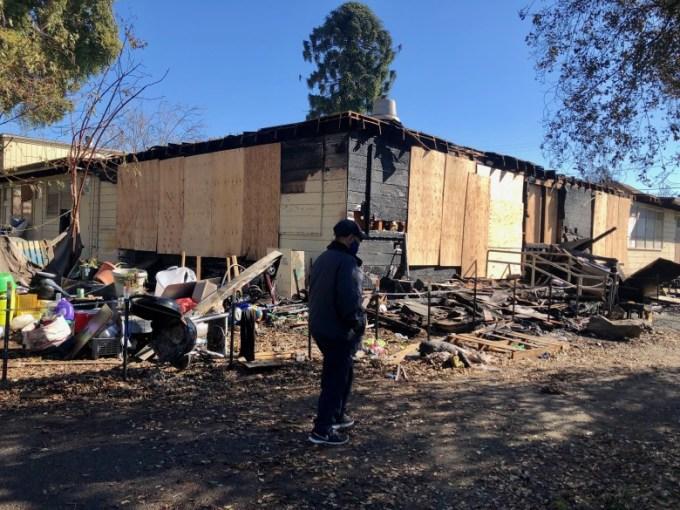 Trung tâm Cộng đồng người Mỹ gốc Việt ở Oakland ngổn ngang sau vụ cháy sáng 6/2. Ảnh: Oakland Fire Department.