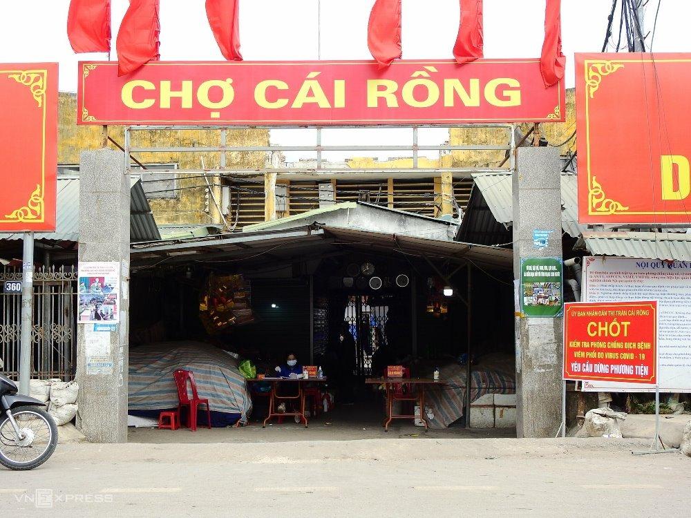 Chợ trung tâm huyện Vân Đồn hoạt động trở lại