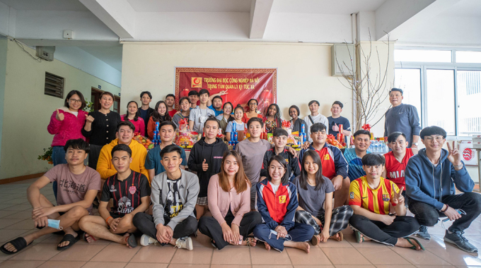 Những sinh viên quốc tế ở lại ký túc xá Đại học Công nghiệp Hà Nội. Ảnh: Nhà trường cung cấp.