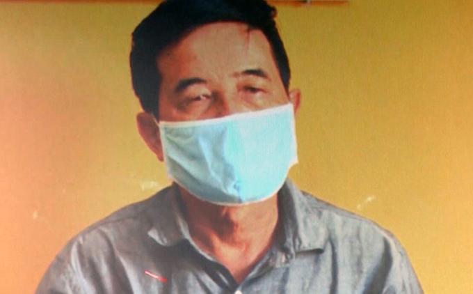 Ông Nguyễn Hữu Tứ - nghi can cầm đầu đường dây làm xăng giả vừa bị bắt. Ảnh: Thái Hà.