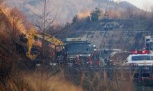 Lở đất, mất điện diện rộng vì động đất ở Nhật Bản