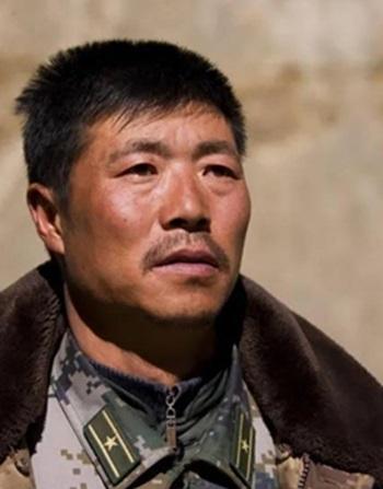 Trung đoàn trưởng Bộ Chỉ huy Quân sự Tân Cương PLA Qi Fabao. Ảnh: Global Times.