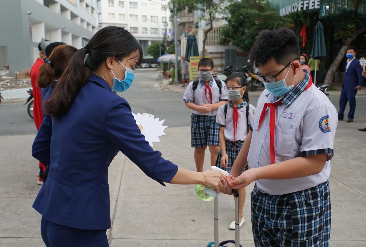 Đề xuất học sinh TP HCM trở lại trường ngày 1/3