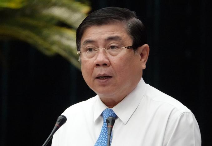 Chủ tịch UBND TP HCM Nguyễn Thành Phong phát biểu tại hội nghị sáng nay. Ảnh: Trung Sơn.