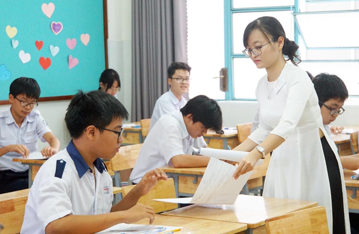 Học sinh TP HCM thi lớp 10 vào đầu tháng 6