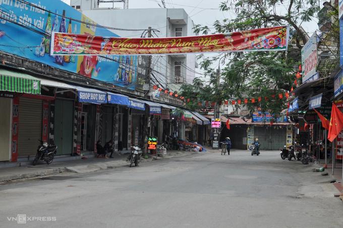 Một con phố ở TP Chí Linh. Ảnh: Hà Bi