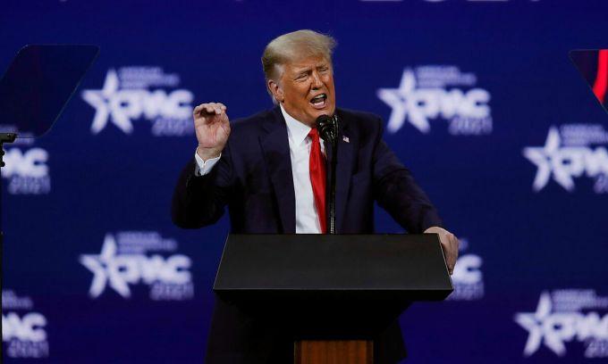 Trump phát biểu ngày 28/2 tại CPAC ở thành phố Orlando, bang Florida. Ảnh: Reuters.