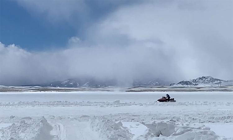 Lốc xoáy tuyết hiếm gặp xuất hiện ở Colorado