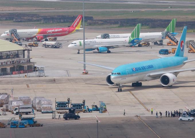 Sân bay Tân Sơn Nhất. Ảnh: Hữu Khoa.