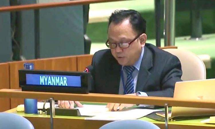 Quyền đại sứ Myanmar tại LHQ từ chức
