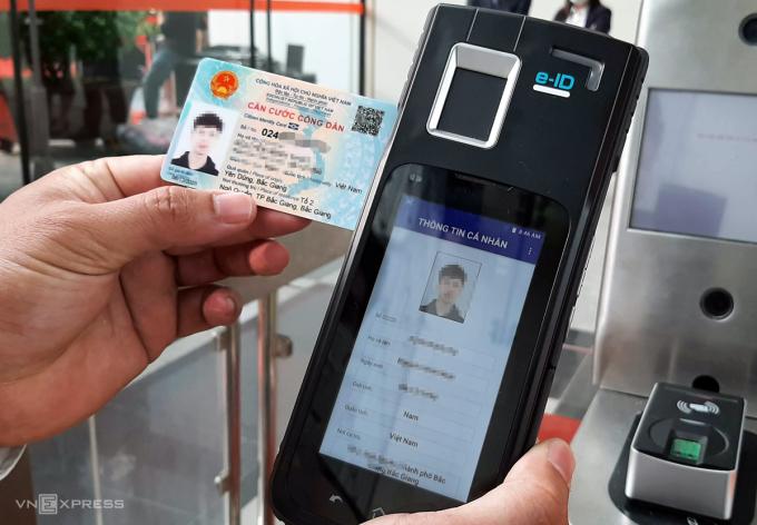 Thẻ căn cước công dân chứa mã số định danh là dạng dữ liệu thông tin cá nhân cơ bản của công dân. Ảnh: Bá Đô