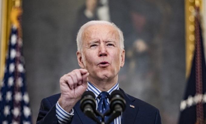 Tổng thống Mỹ Joe Biden phát biểu tại Nhà Trắng sau khi Thượng viện thông qua dự luật hôm 6/3. Ảnh: AFP.