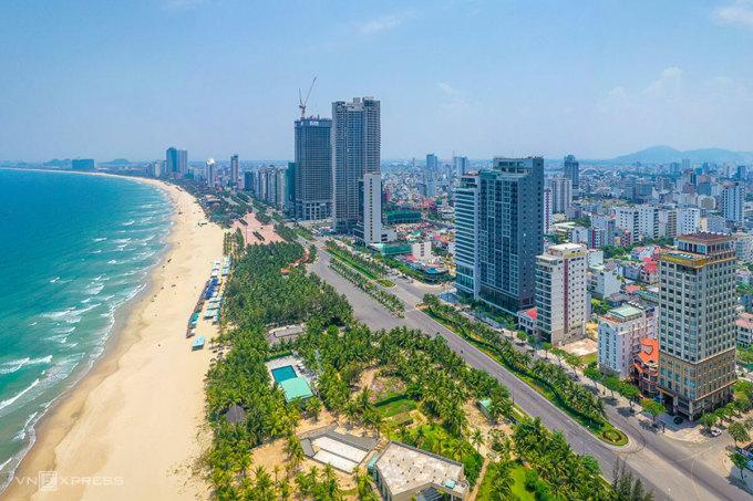 Các chuyên gia cho rằng Đà Nẵng nên quản lý tốt khu vực nhà cao tầng ở khu vực ven biển. Ảnh: Kim Liên.