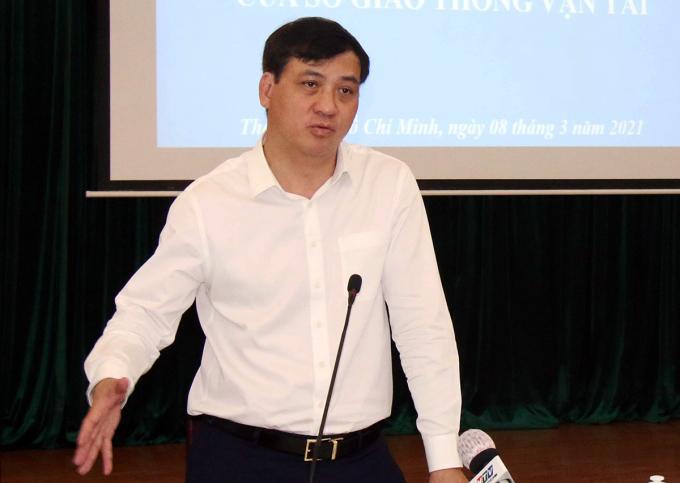 Phó chủ tịch UBND TP HCM Lê Hoà Bình phát biểu tại hội nghị, sáng 8/3. Ảnh: Gia Minh.