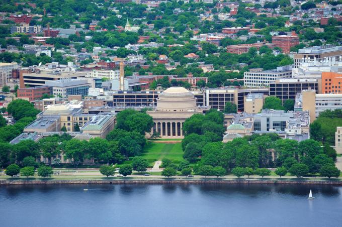 Viện Công nghệ Massachusetts, Mỹ, nhìn từ trên cao. Ảnh: Shutterstock