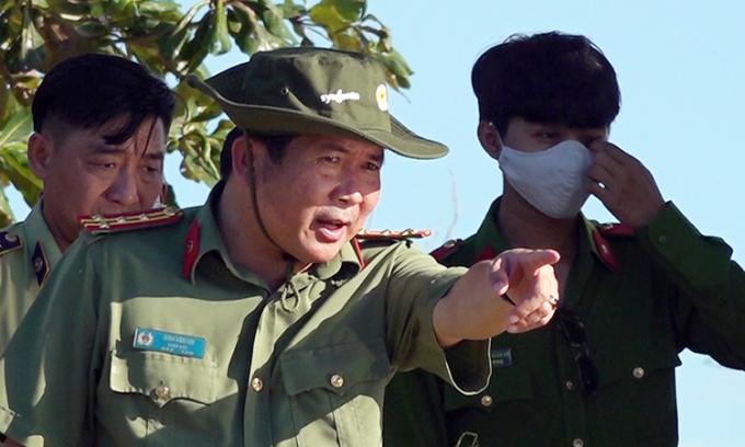 Giám đốc Công an tỉnh An Giang có mặt tại hiện trường chỉ đạo triệt phá đường dây buôn lậu 51 kg vàng qua biên giới hồi cuối tháng 10/2020. Ảnh: Tiến Tầm