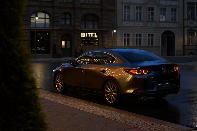 Mazda3 2021.