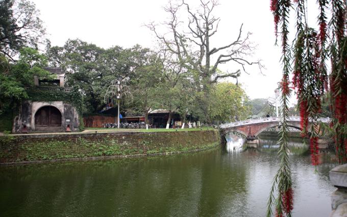 Thành cổ nằm ở trung tâm thị xã Sơn Tây là một công trình kiến trúc độc đáo được xây dựng bằng đá ong. Ảnh: Ngọc Thành.