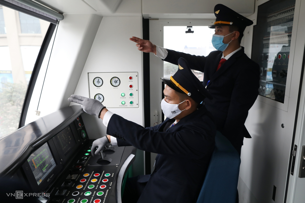 Tàu Cát Linh - Hà Đông trước ngày bàn giao về Hà Nội